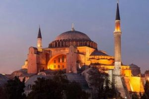Αύριο κρίνεται στην Τουρκία, αν η Αγία Σοφία γίνει τζαμί