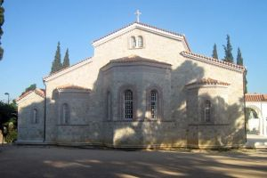 Το ΣτΕ ακύρωσε  το «σφράγισμα» του Ναού –  Προμπονά που είχε επιβάλλει η Ι . Αρχιεπισκοπή