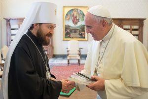 Συνεχίζει τα «ανακατέματα» ο Βολοκολάμσκ Ιλαρίων – Πήγε και ενημέρωσε  τον  Πάπα Φραγκίσκο