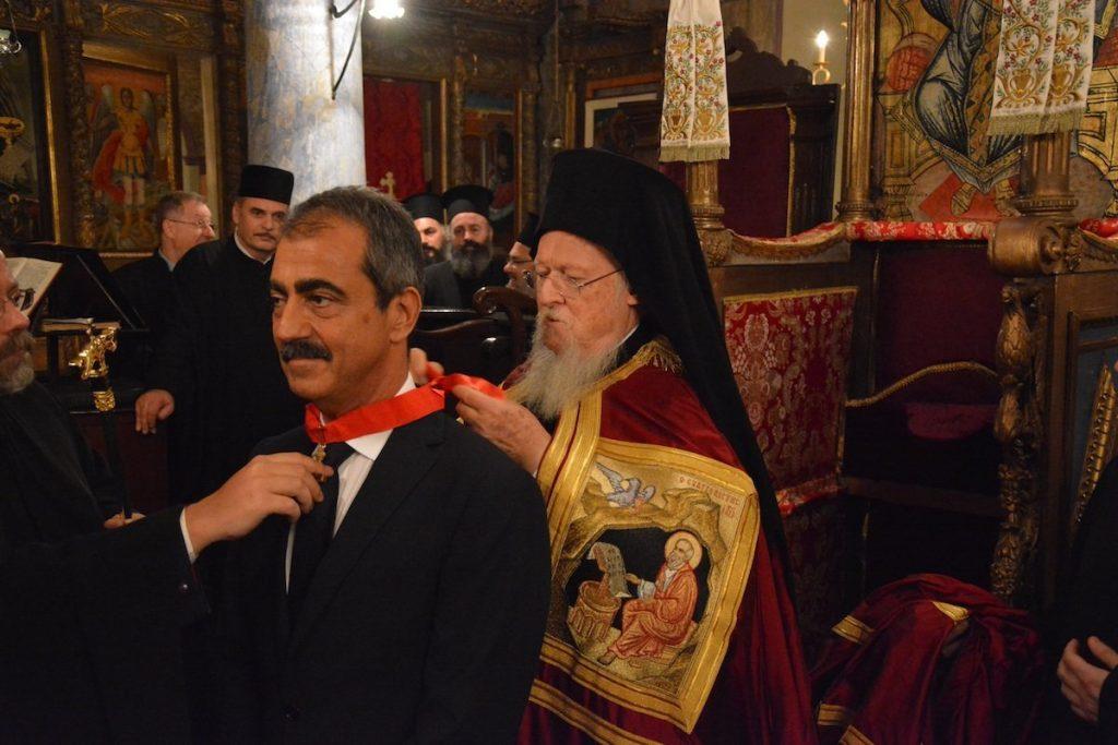Ο διαπρεπής ομογενής της Πόλεως κ. Λάκης Βίγκας ανακηρύχθηκε Σταυροφόρος του Τάγματος του Παναγίου Τάφου