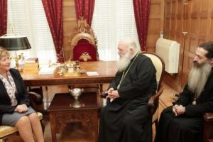 Με κυβερνητικά στελέχη συναντήθηκε ο Αρχιεπίσκοπος