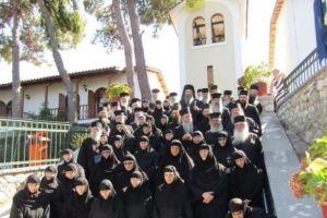 Σκληρή κριτική της Ι.Μ. Πειραιώς για το Μοναστικό συνέδριο στη Λευκάδα