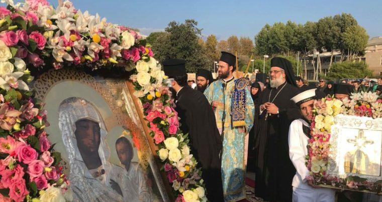 Πάνδημη υποδοχή της Παναγίας των Ελαιών στη Θεσσαλονίκη για τους εορτασμούς του Αγίου Δημητρίου