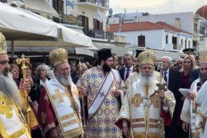 Μεγαλοπρεπής ο εορτασμός για τον Αγιο Νεκτάριο στην Αίγινα – Χιλιάδες λαού απ´όλη την Ελλάδα