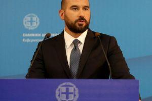 Κομματικοποιεί την κρίση με την Εκκλησία ο Τζανακόπουλος: Πολιτικός δάκτυλος της ΝΔ στα εσωτερικά της Εκκλησίας – Κακομαθημένο παιδί ο Μητσοτάκης