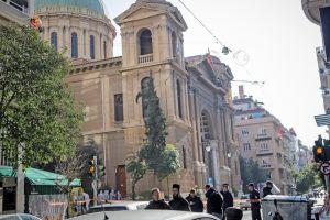 Έκρηξη έξω από τον Πολιούχο των Αθηνών Άγιο Διονύσιο