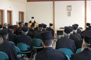 Οι Κληρικοί της Ι.Μ. Καλαβρύτων και Αιγιαλείας δίνουν μαθήματα «ήθους» στον Μητροπολίτη Ιωαννίνων Μάξιμο