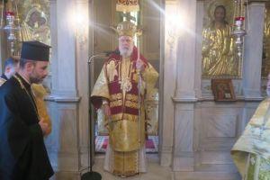 Στο παρεκκλήσι του Οσιου Πορφυρίου στην Πλάκα ο Σύρου Δωρόθεος