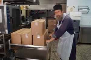 Κρέας, τυριά και λαχανικά από τον Δήμο Χίου στα συσσίτια της Ιεράς Μητροπόλεως Χίου