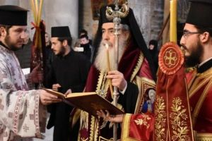 Στον Ναό της Αναστάσεως το Μνημόσυνο των Αγιοταφιτών Πατέρων από τον Πατριάρχη Ιεροσολύμων Θεόφιλο