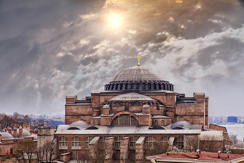 You are currently viewing Ψαλμωδίες στην Αγία Σοφιά στην Κωνσταντινούπολη, όπως ακριβώς ακουγόταν πριν 1500 χρόνια