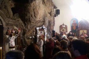 Τον Άγιο Πορφύριο εόρτασαν εκατοντάδες πιστών στους Αγίους Ισιδώρους Λυκαβηττού— Η προσωπική εξομολόγηση του Γέροντα π.Δημητρίου