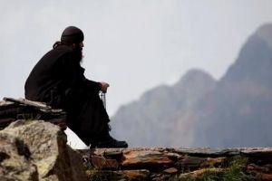 Τιμωρούν το Μοναχισμό -Έκοψαν το Κοινωνικό μέρισμα για Μοναχούς