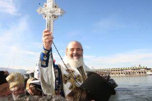 «Χριστόδουλε σε πάμε και μας λείπεις…! – Και εγώ σας πάω » Έντεκα χρόνια χωρίς τον ιστορικό ηγέτη της Εκκλησίας