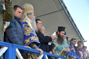 Με λαμπρότητα και μεγαλοπρέπεια τιμήθηκε η Δεσποτική Εορτή των Θεοφανείων στο πρώτο λιμάνι της χώρας, τον Πειραιά.