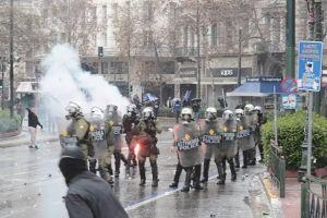 Βίντεο αποκαλύπτει ότι η …Μπιτάκου έδωσε το σύνθημα για εισβολή στη Βουλή- Να ποιοί άμυαλοι διέλυσαν το συλλαλητήριο… !