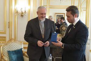 Ο Μητροπολίτγς Γαλλίας Εμμανουήλ τιμήθηκε με το παράσημο του Τάγματος της Φιλίας του Καζακστάν