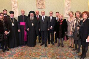 Συνάντηση στελεχών της Αποστολικής Διακονίας της Εκκλησίας της Ελλάδος και του Κέντρου Στηρίξεως της Οικογενείας της Ι. Αρχιεπισκοπής Αθηνών με τον Πάπα Φραγκίσκο