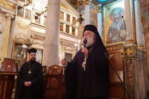 Η συγκίνηση του Πατριάρχη Αλεξανδρείας Θεοδώρου καθώς ξεπροβόδιζε τον Αξώμης Δανιήλ