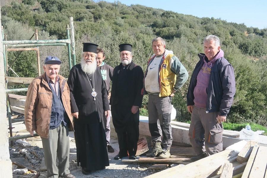 Επίσκεψη του Σεβ. Φθιώτιδος Νικολάου στον υπό ανέγερση Ιερό Ναό του Οσίου Παϊσίου και στο Γηροκομείο Σπερχειάδος