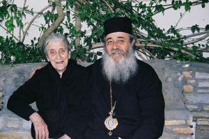 Τεσσαρακονθήμερο Ιερό Μνημόσυνο για τη μητέρα του Μητροπολίτη Φθιώτιδος Νικολάου