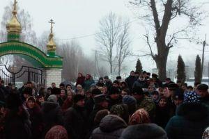 Ανεπίτρεπτα επεισόδια βίας στην Ουκρανία-Ξυλοδαρμός πιστών