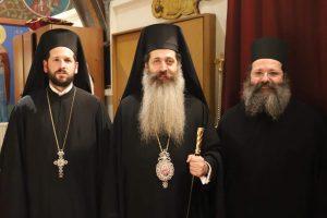 Ο Επίσκοπος Θεσπιών στον μοναδικό ενοριακό ναό του Αγίου Τρύφωνος της Αρχιεπισκοπής