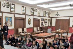 Με μαθητές Δημοτικού συνομίλησε ο Χαλκίδος Χρυσόστομος
