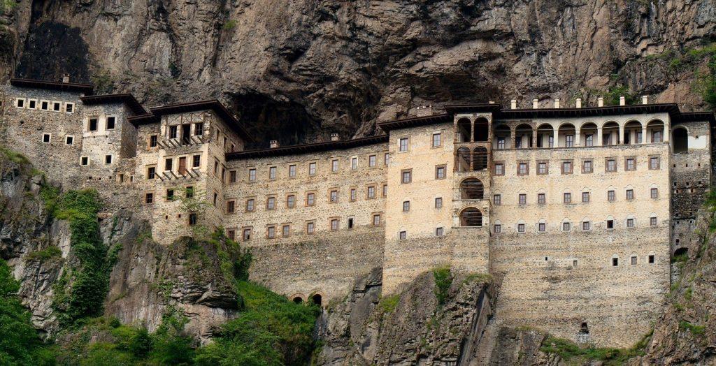 You are currently viewing Ανοίγει τον Μάιο το Μοναστήρι της Παναγίας Σουμελά
