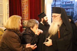 Ο Σεβ. Καστορίας Σεραφείμ στον Άγιο Νικόλαο Αχαρνών για τη Β ´ Στάση των Χαιρετισμών