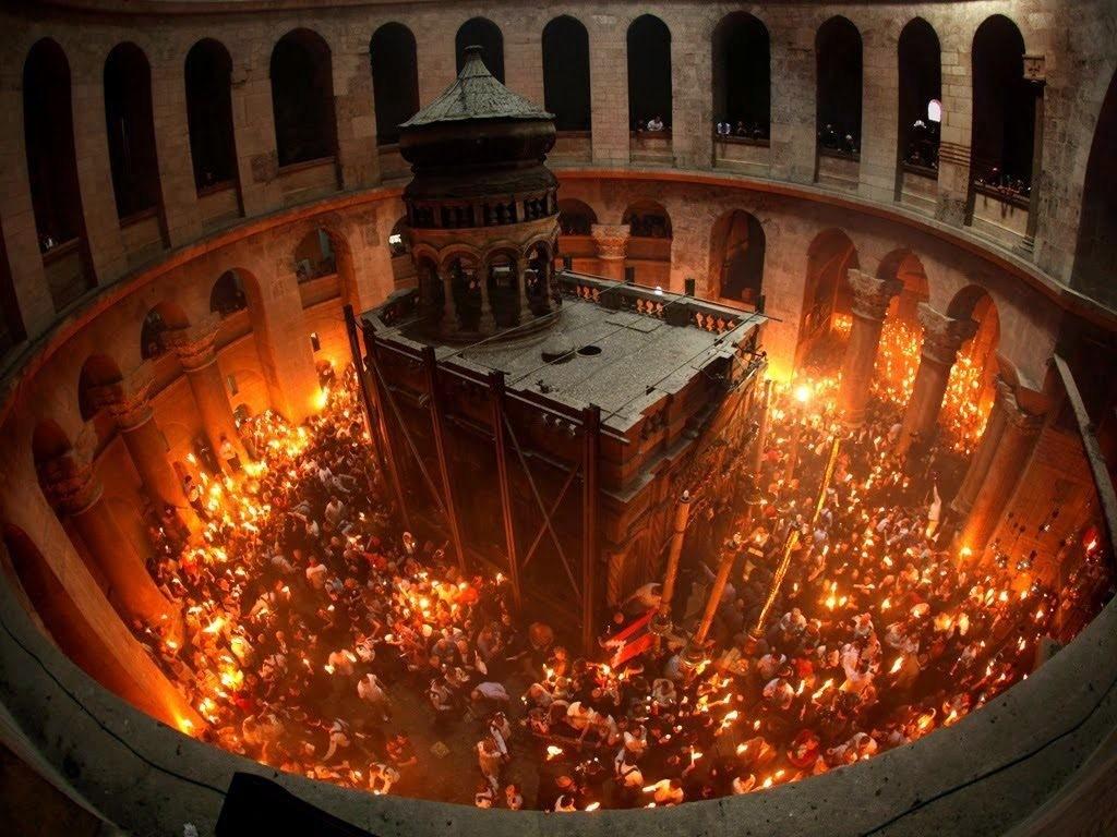 Η τελετή Αφής του Αγίου Φωτός στα Ιεροσόλυμα-διαρκές θαύμα!