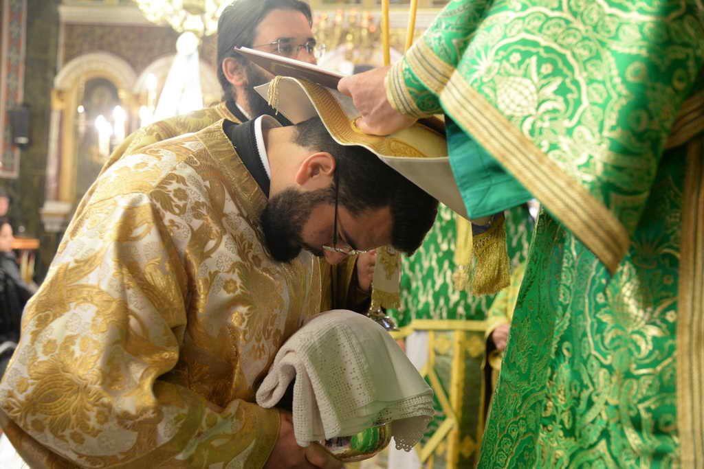 Πατρῶν Χρυσόστομος: «…Ὁ Ἓλληνας Ὀρθόδοξος Κληρικός προσφέρει καί τό αἷμα του ἂν χρειασθῆ γιά τήν Πίστη καί τήν Πατρίδα…»