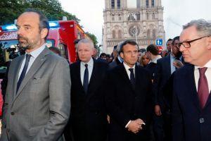 Μακρόν μετά την καταστροφική πυρκαγιά: Σε πέντε χρόνια θα αποκαταστήσουμε την Παναγία των Παρισίων- Τεράστια ποσά για την αποκατάσταση του Μνημείου!