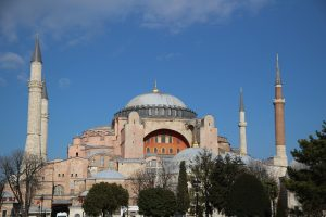Φλυαρίες του Ομέρ Τσελίκ για μετατροπή της Αγιά Σοφιάς σε τζαμί..