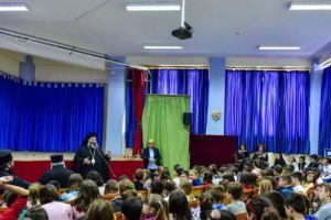 Επίσκεψη του Σεβ. Λαγκαδά Ιωάννη στο δημοτικό σχολείο Ασσήρου