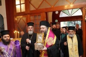 Ο Τρίκκης και Σταγών Χρυσόστομος υποδέχθηκε το Ιερό Λείψανο της Αγίας Κυριακής