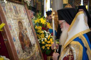 Αφίχθη στον Βόλο η ιερά Εικόνα της Παναγίας Φοβεράς Προστασίας από το Άγιον Όρος