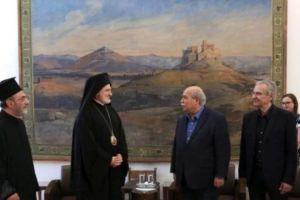Στη Βουλή των Ελλήνων ο Αρχιεπίσκοπος Αμερικής Ελπιδοφόρος