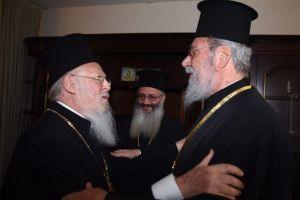 Ιερό καθήκον του Αρχιεπισκόπου Κύπρου να διαψεύσει τους προβοκάτορες της Μόσχας