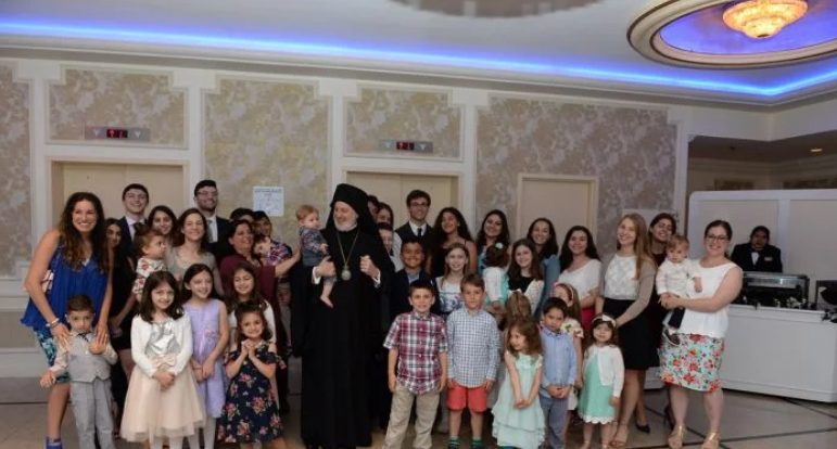 Γεύμα του Αρχιεπισκόπου Ελπιδοφόρου με Ιερείς και τις οικογένειές τους πριν την ενθρόνιση