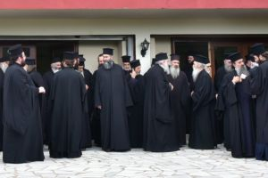 Υπό αμφισβήτηση η «χρυσή» συμφωνία Κυβέρνησης-Εκκλησίας για τους ιερείς στην Κύπρο