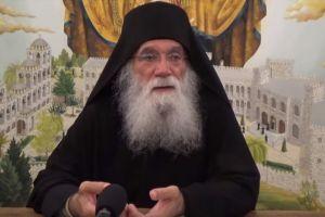 Γέροντας Νεκτάριος Μουλατσιώτης: Ούτε η Αγία Τριάδα δεν σε σώζει!