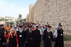 Ο Φθιώτιδος Νικόλαος και προσκυνητές στους Αγίους Τόπους