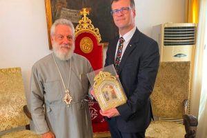 Τον πρέσβη του Καναδά υπεδέχθη στην Παναγία της Τήνου ο Μητροπολίτης Σύρου Δωρόθεος