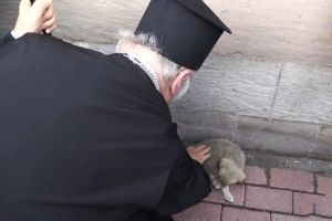 Ο Οικουμενικός Πατριάρχης και το κουταβάκι της Καππαδοκίας