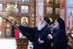 Ο αεικίνητος Αρχιεπίσκοπος Αμερικής Ελπιδοφόρος επισκέφθηκε τη Σερβική Εκκλησία στο Σικάγο