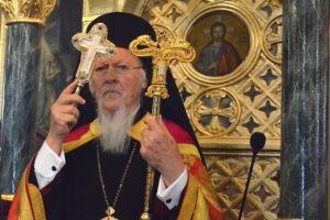 """Οικουμενικός Πατριάρχης Βαρθολομαίος: """"Μεγάλη αδελφική και ιστορική χειρονομία να μας δώσει ο Πάπας Φραγκίσκος αποτμήματα του Ιερού λειψάνου του Αποστόλου Πέτρου"""""""