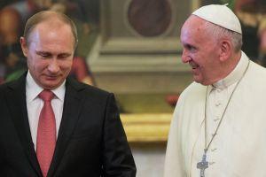 Συνάντηση Πούτιν με Πάπα Φραγκίσκο, με ανταλλαγή δώρων και Συρία, Ουκρανία στην ατζέντα