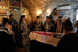Ο Πατριάρχης Ιεροσολύμων στην εξόδιο του Γέροντα της ερήμου ΓΕΡΑΣΙΜΟΥ
