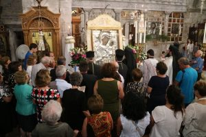 Η πρώτη Ιερή Παράκλησις στην Εκατονταπυλιανή της Πάρου